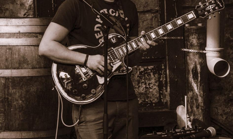 Blues Guitar lessons.png