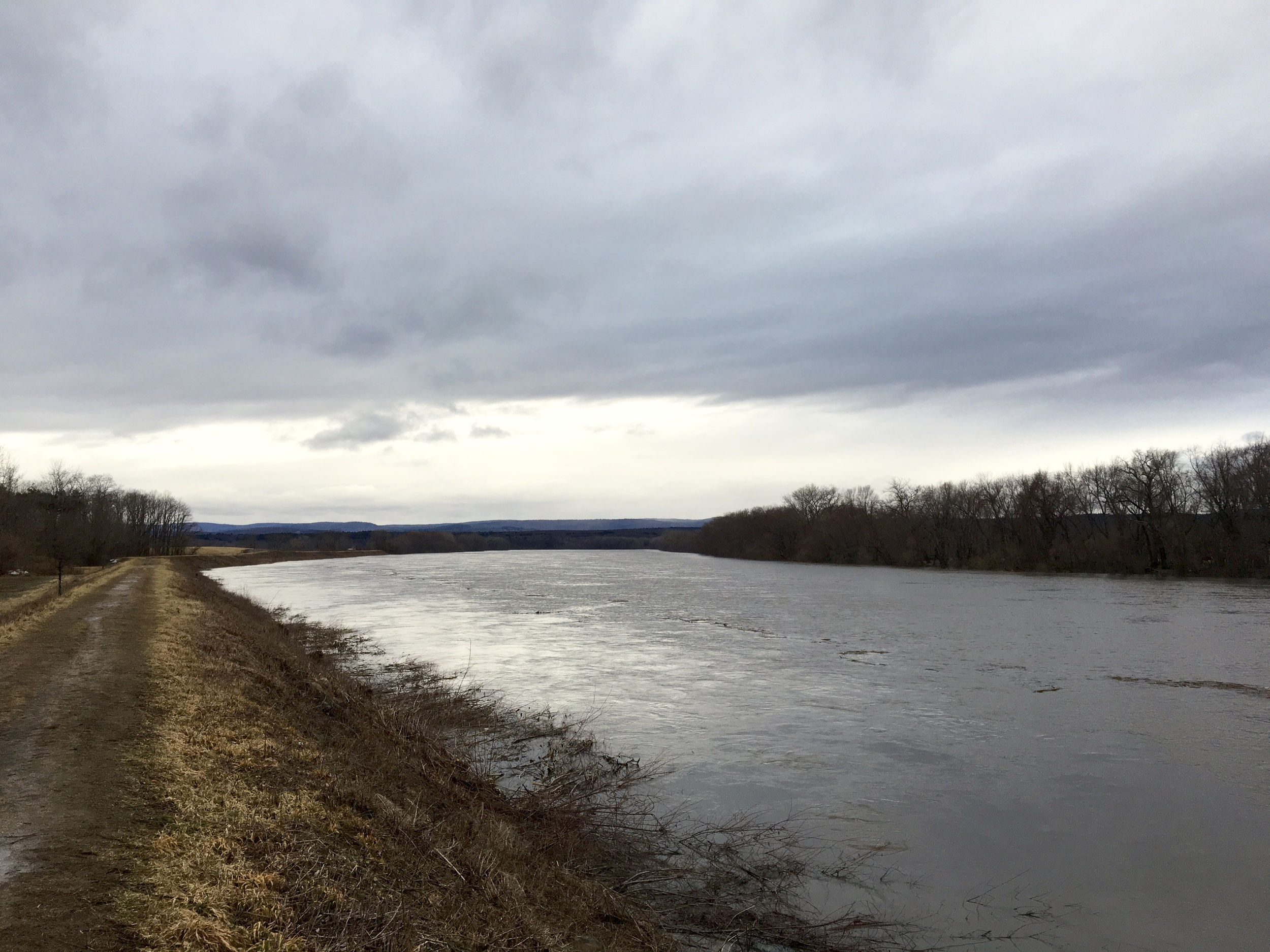 Connecticut River Looking West