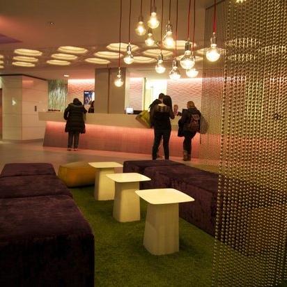 lobby hotel bloom