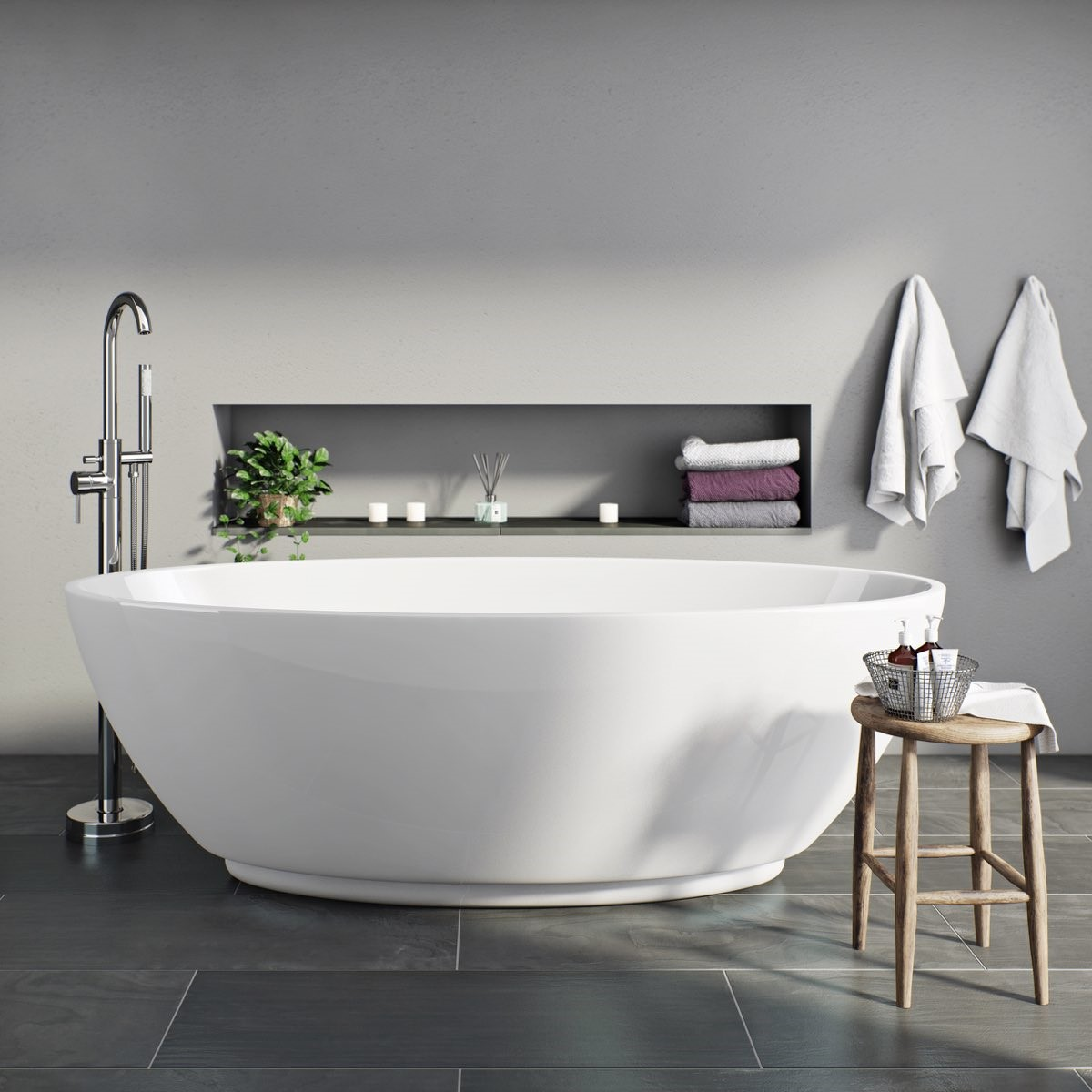 Freestanding bath. Renovated