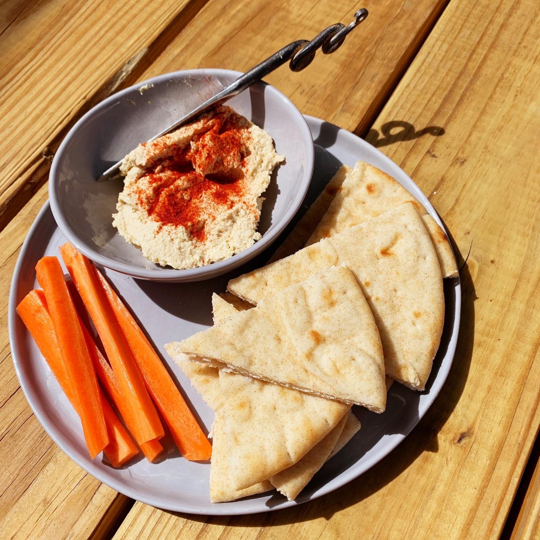 Hummus Pita.jpg