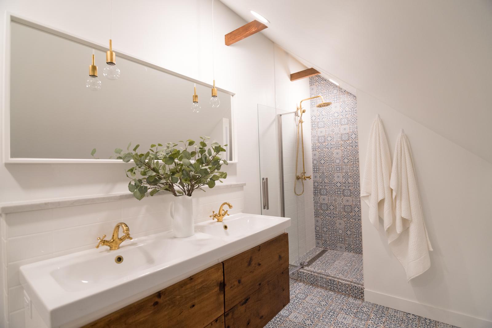 #dermreno master bath reclaimed wood vanity