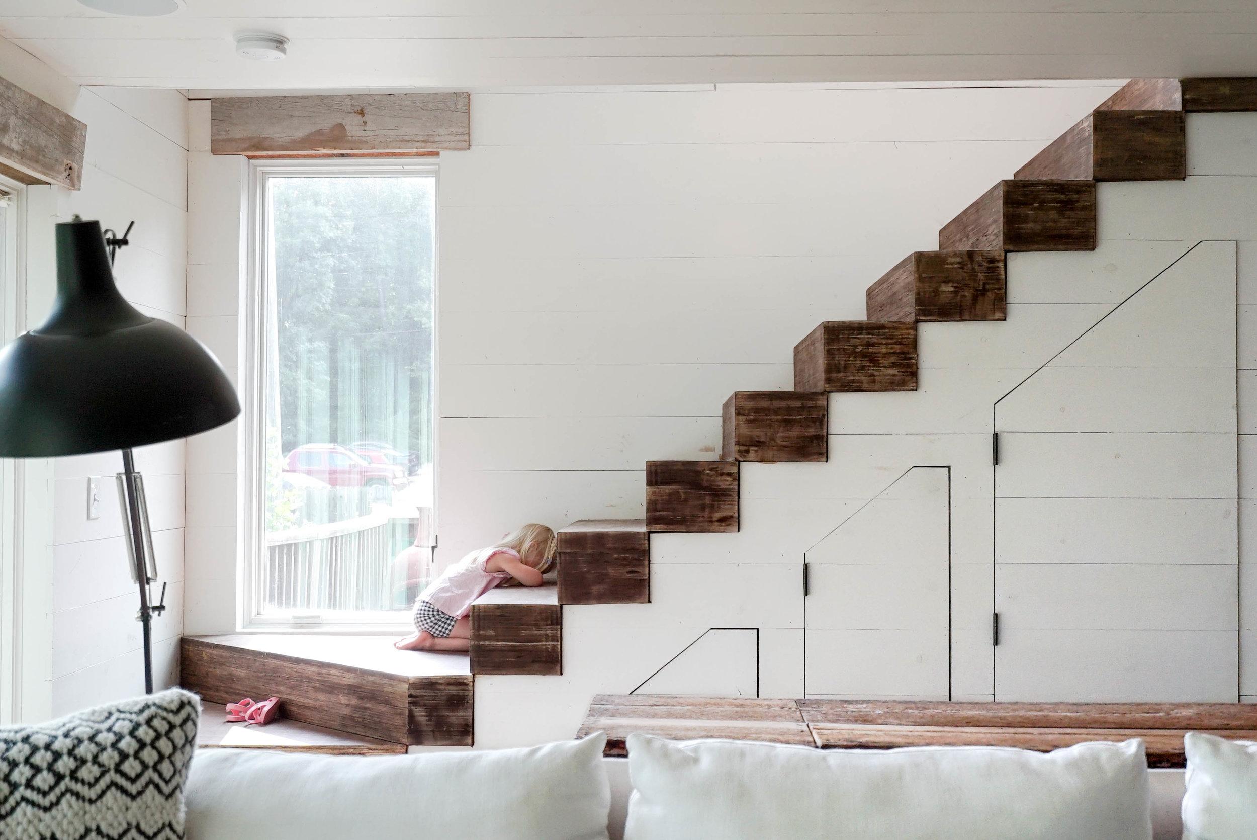 KF_ollie on stairs head down.jpg