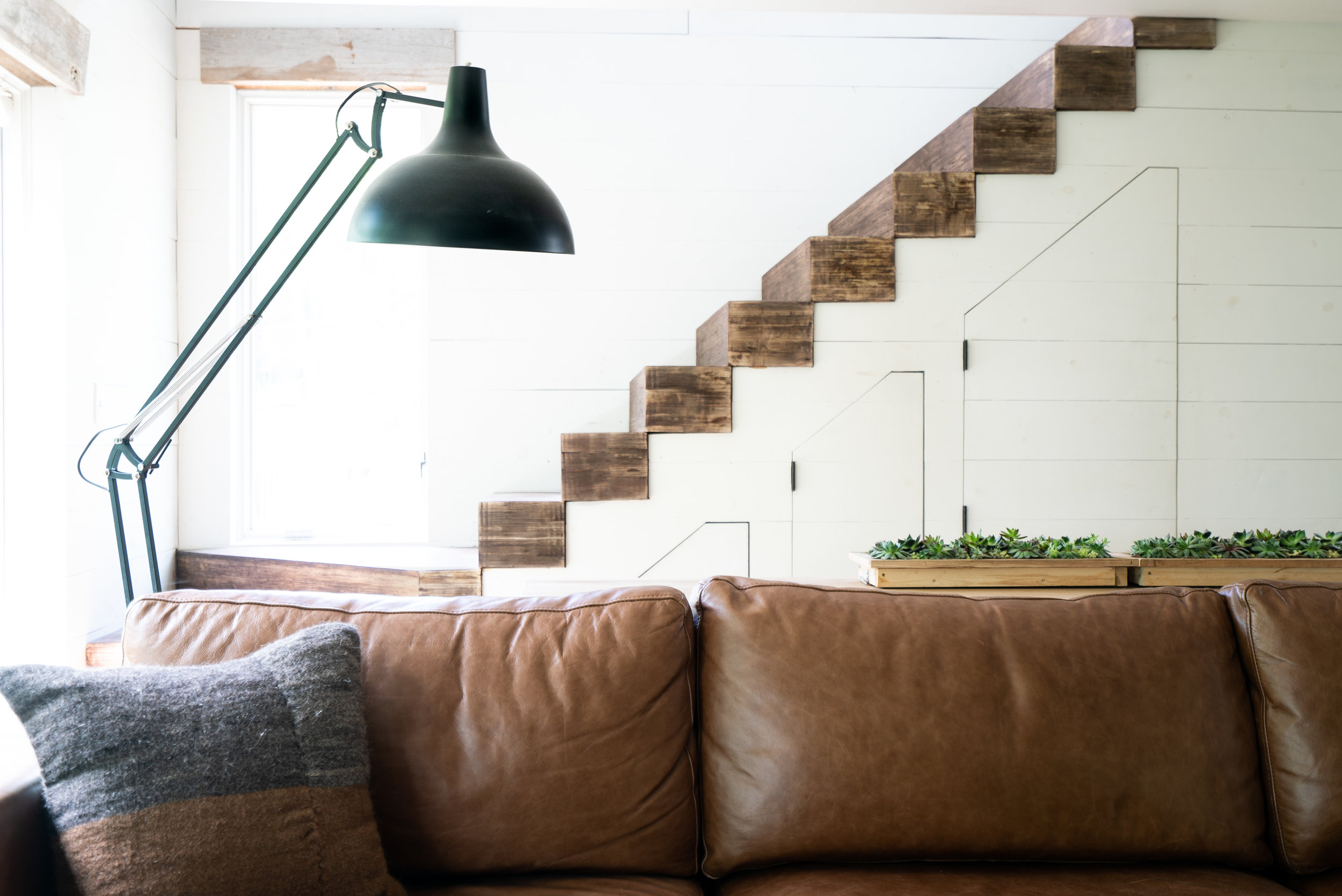 livingroomcouchlampstairs