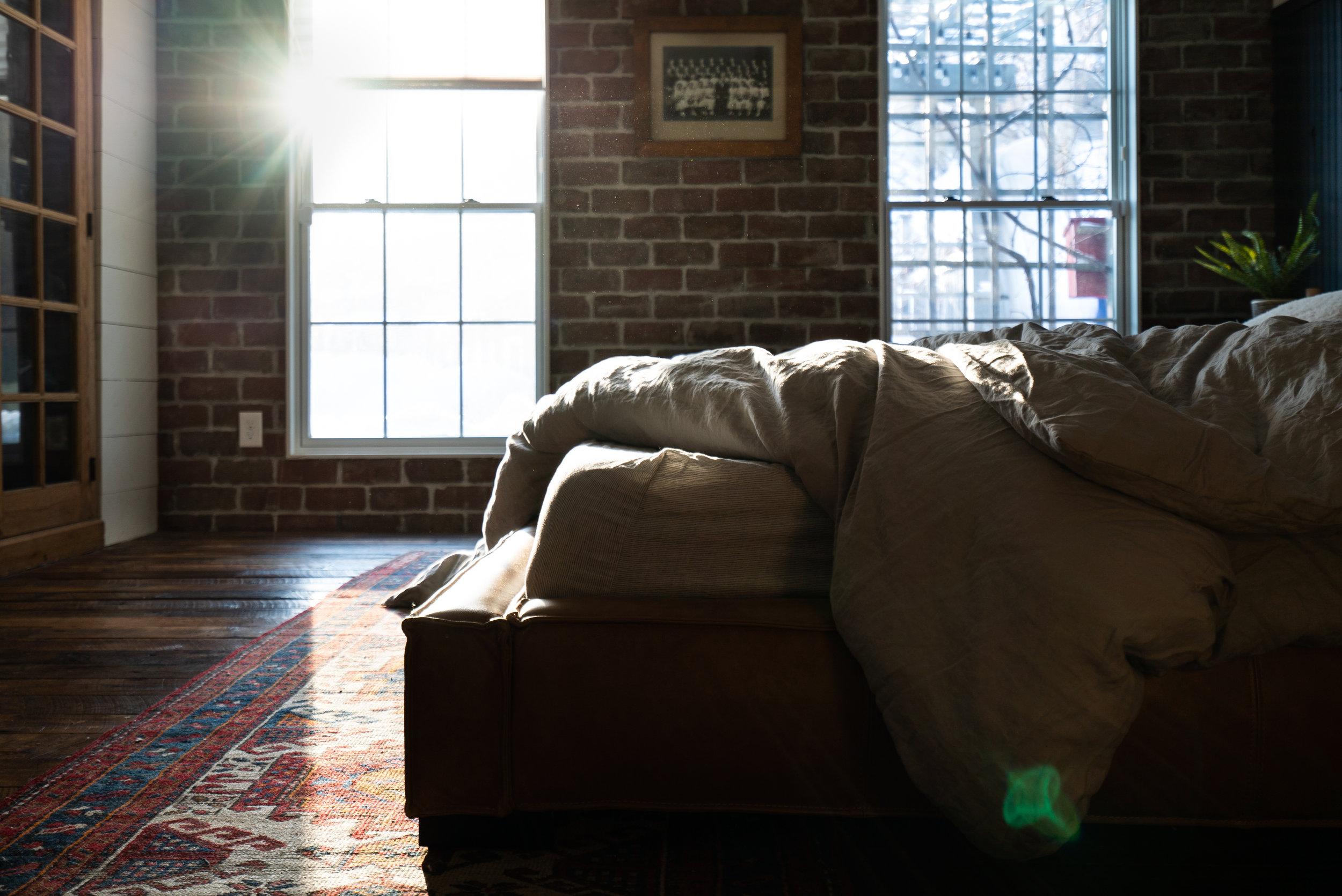 bedroomsunlightwindowrugphoto