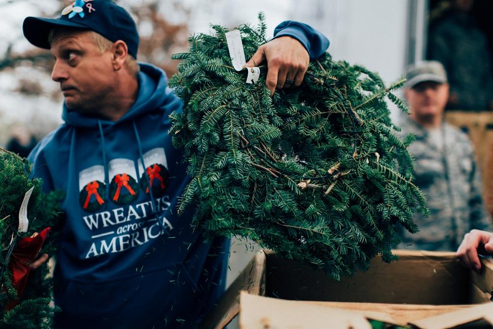 Wreaths Across America-0093.jpg