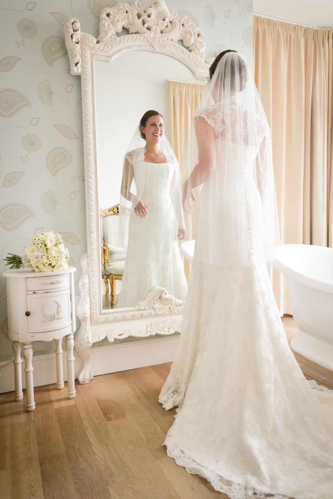 watergate-bay-hotel-wedding-photography-25.jpg