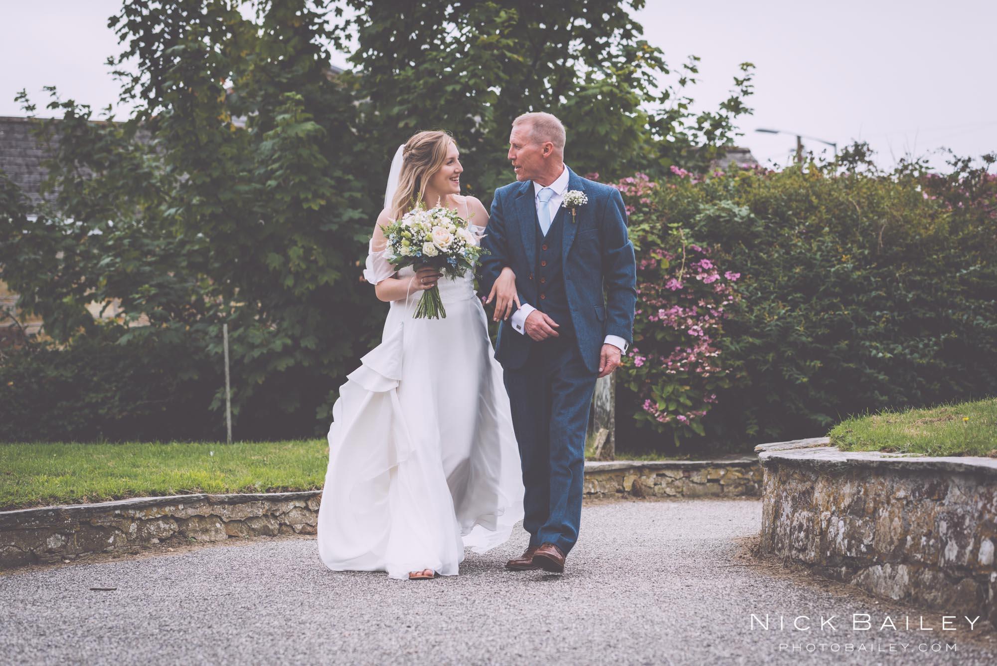 bre-pen-farm-weddings-12.jpg
