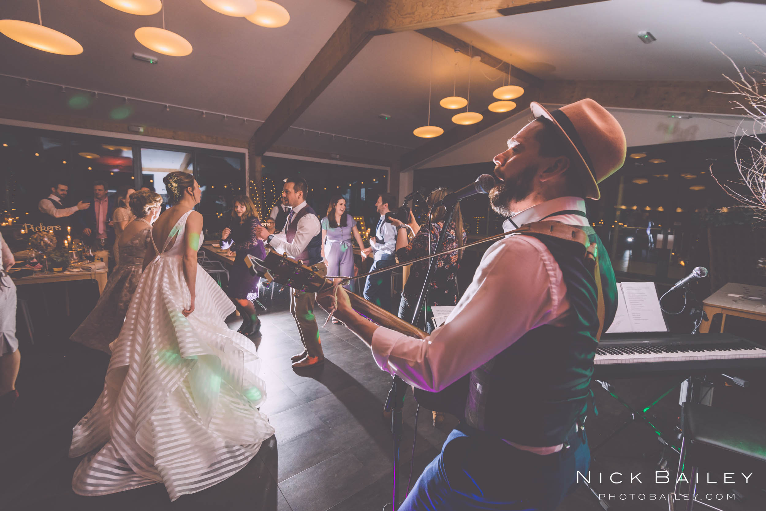 trevibban-mill-wedding-107.jpg