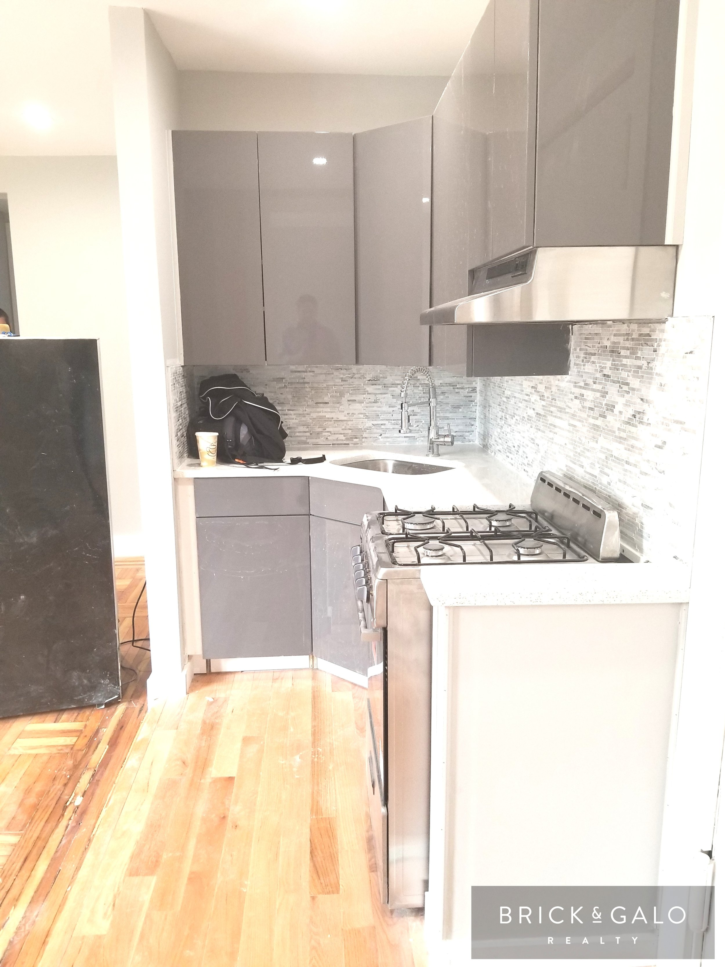 2028 Valentine Avenue Rent $1,7502 BED · 1 Bath -  LARGE, BEAUTIFULLY RENOVATED                 2 BEDROOM 1 BATH!!Unit features:-Spacious unit-Lots of natural sunlight-Renovated kitchen-Super on SiteAMAZING BUILDING!! AMAZING UNIT.....To set up viewing contact our office at (212)281-8500 or email: Info@brickandgalo.com