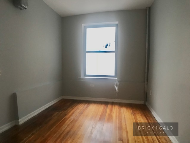741 Hunts Point Ave 2 bed - 1 bath  Rent  1,650  -