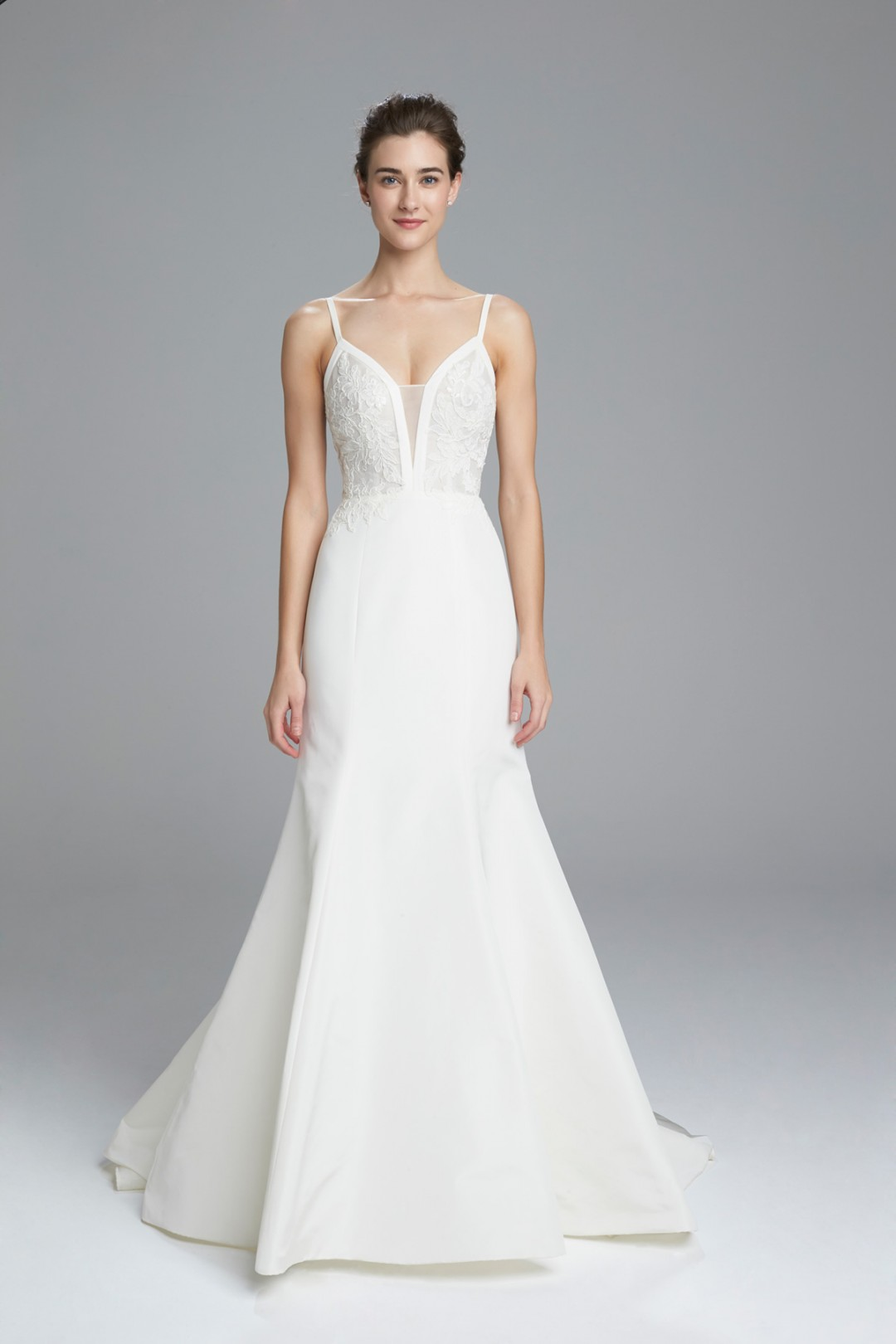 Slim-fit-to-flare-wedding-dress-with-silk-organza-bodice-and-french-lace_Britt-by-Amsale-1080x1620.jpg