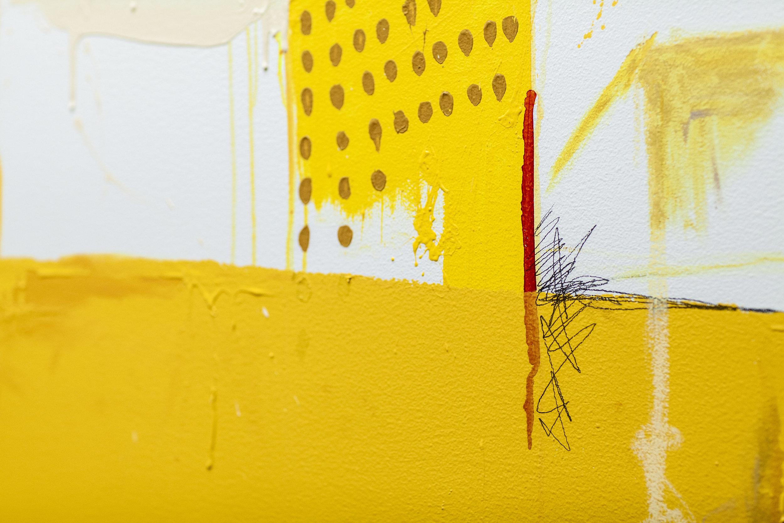 Detalj:akrylmaling, sprittusjrefill, blyant og fettstift.
