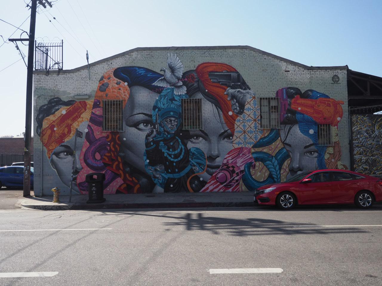 Vi så flere vegger av Tristan Eaton. Jeg malte med han i Sverige for et par år siden. Gøy å se veggene hans rundt om i verden.