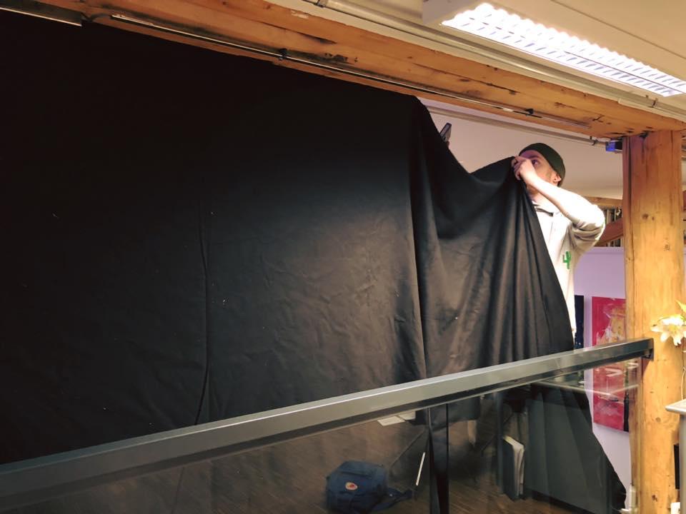 Jeg bygget om galleriet slik at publikum kunne gå inn i en diger black box.