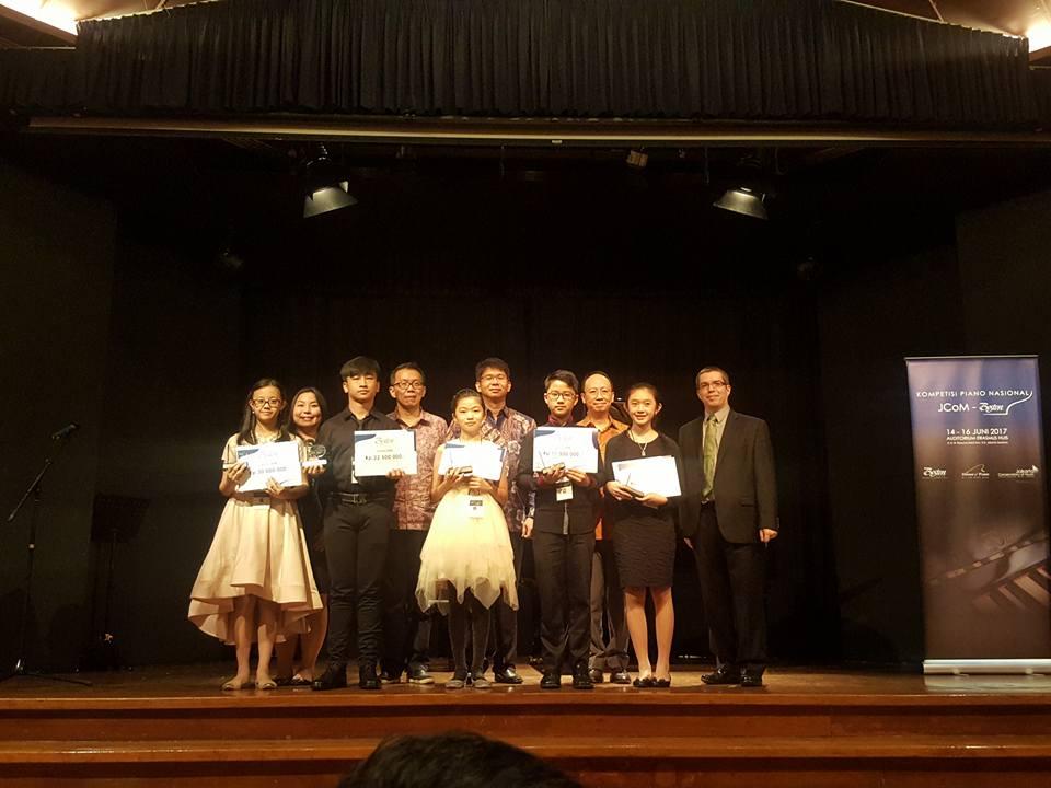 Prize winners and jury members