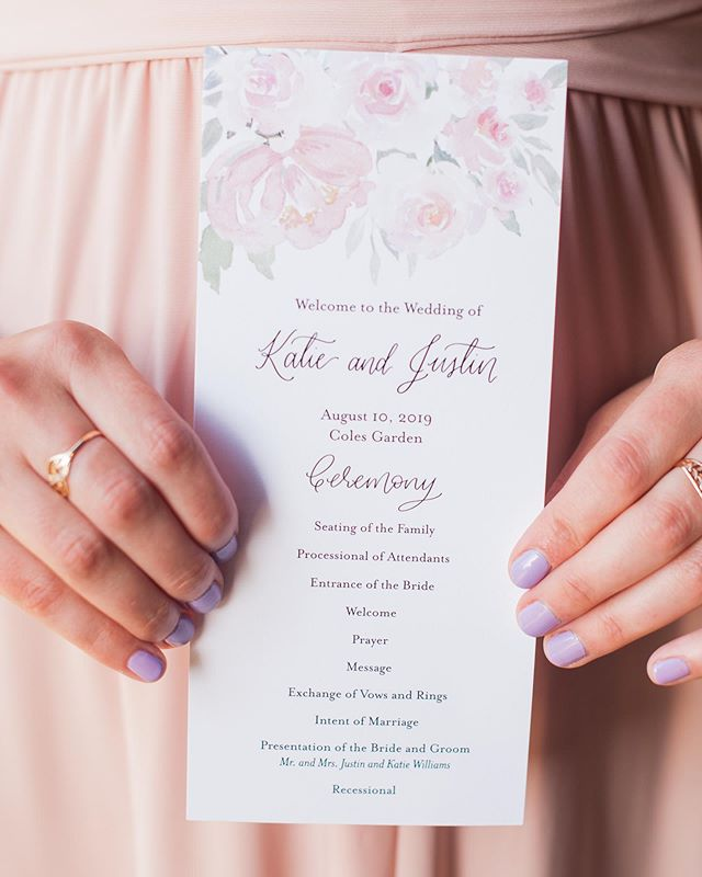 Katie and Justin's ceremony programs were so fun to create! Big pops of floral, paired with touches of calligraphy? Count me in! // P.S. Aren't her lilac nails so fun?!