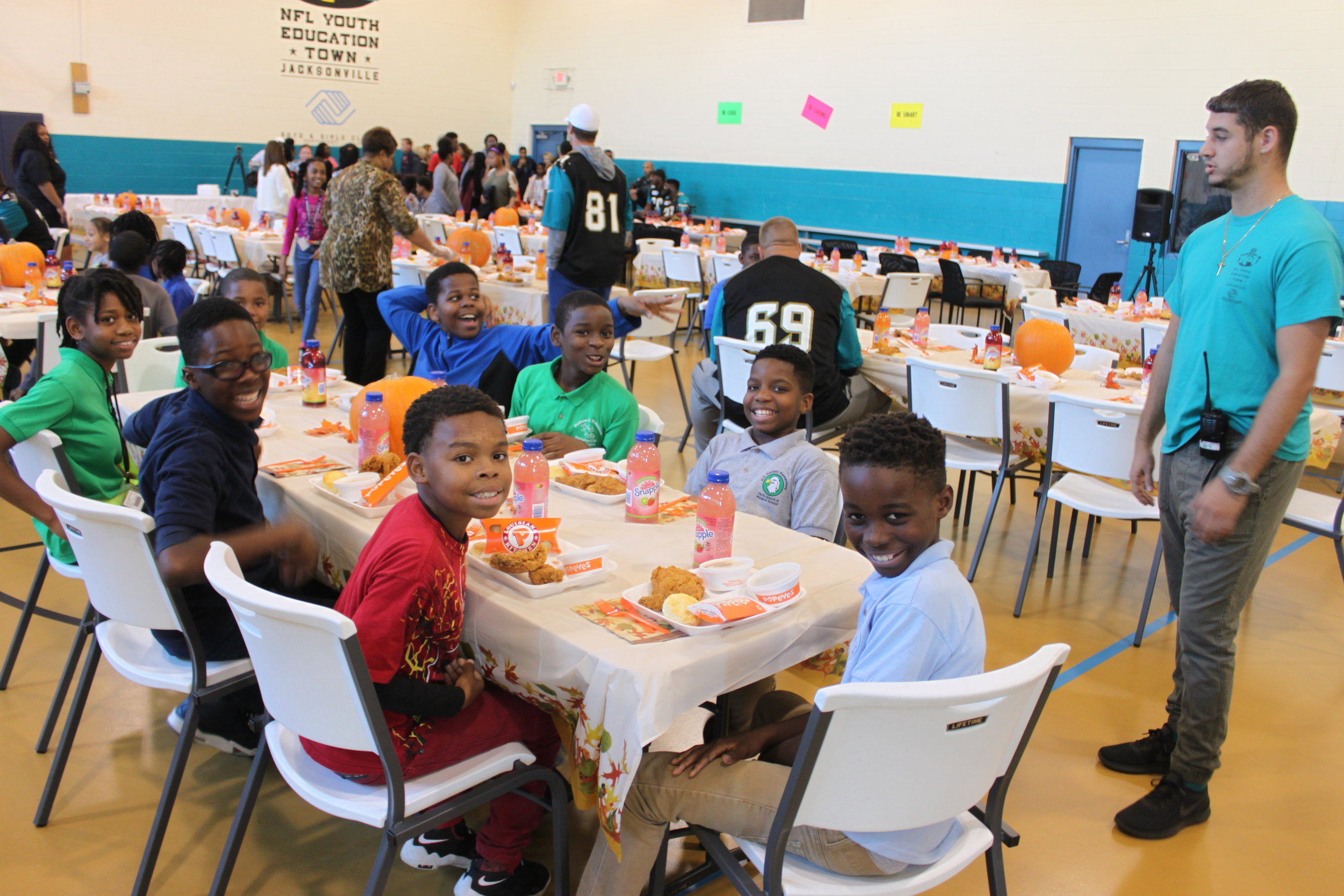2016: Jaguars Thanksgiving for NFL YET & St. Augustine Boys & Girls Club