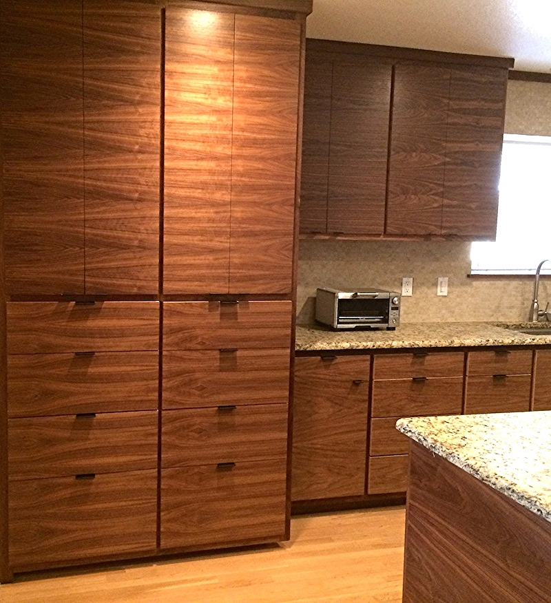 Horizontal grain walnut Pantry with Drawers