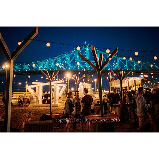 #mtl #montreal #summer #2018  #neon #restaurant #cuisine #colours #goodlife #terrasse #bridge #pontchamplain #champlainbridge #citylights #summerlife #cute #couples #goals #ilovemycity #city #citylife #5a7 #drinks #drink #canon . . . . Sorry for the watermark but these were mandated photos for a important client.