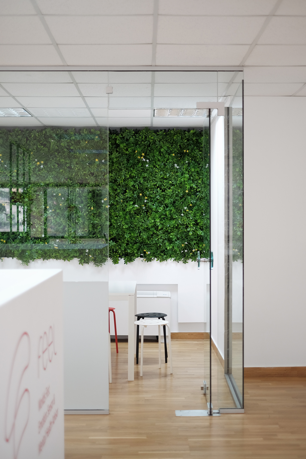 Sentio Solutions – Feel wristband offices,  Aplusm  architects