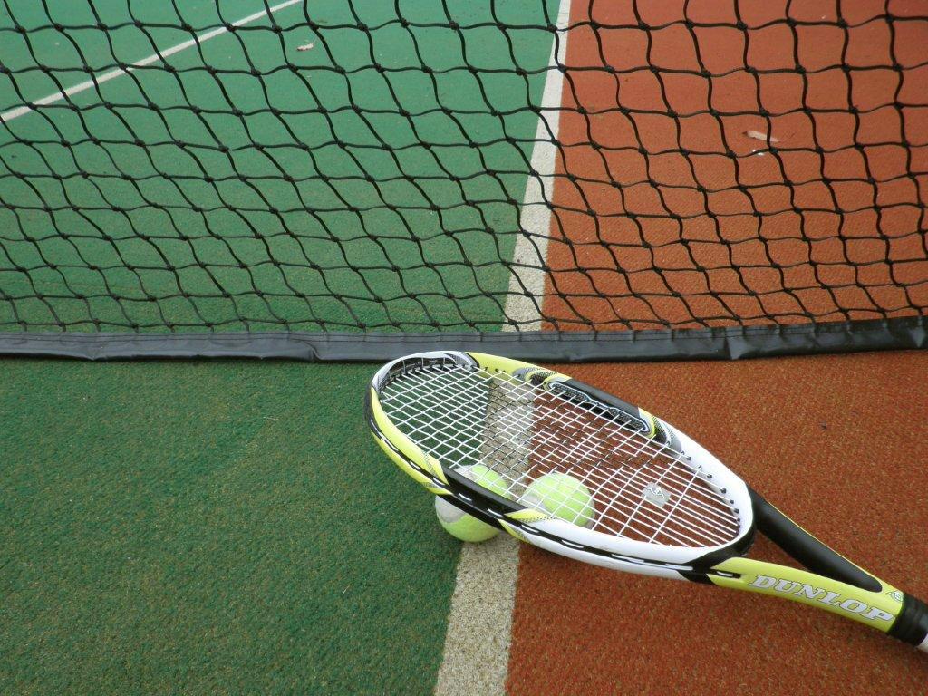 macro racquet on advantage.jpg