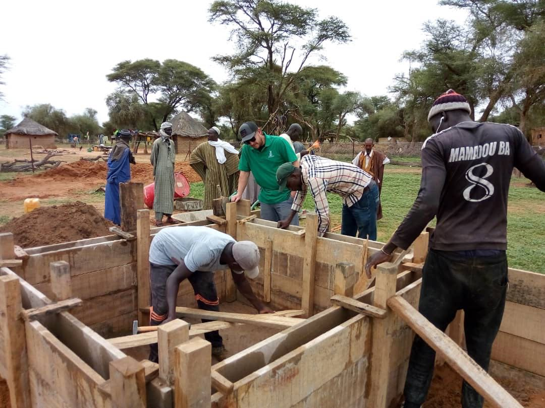 Construction of a garden basin at Mbantou Croissement.