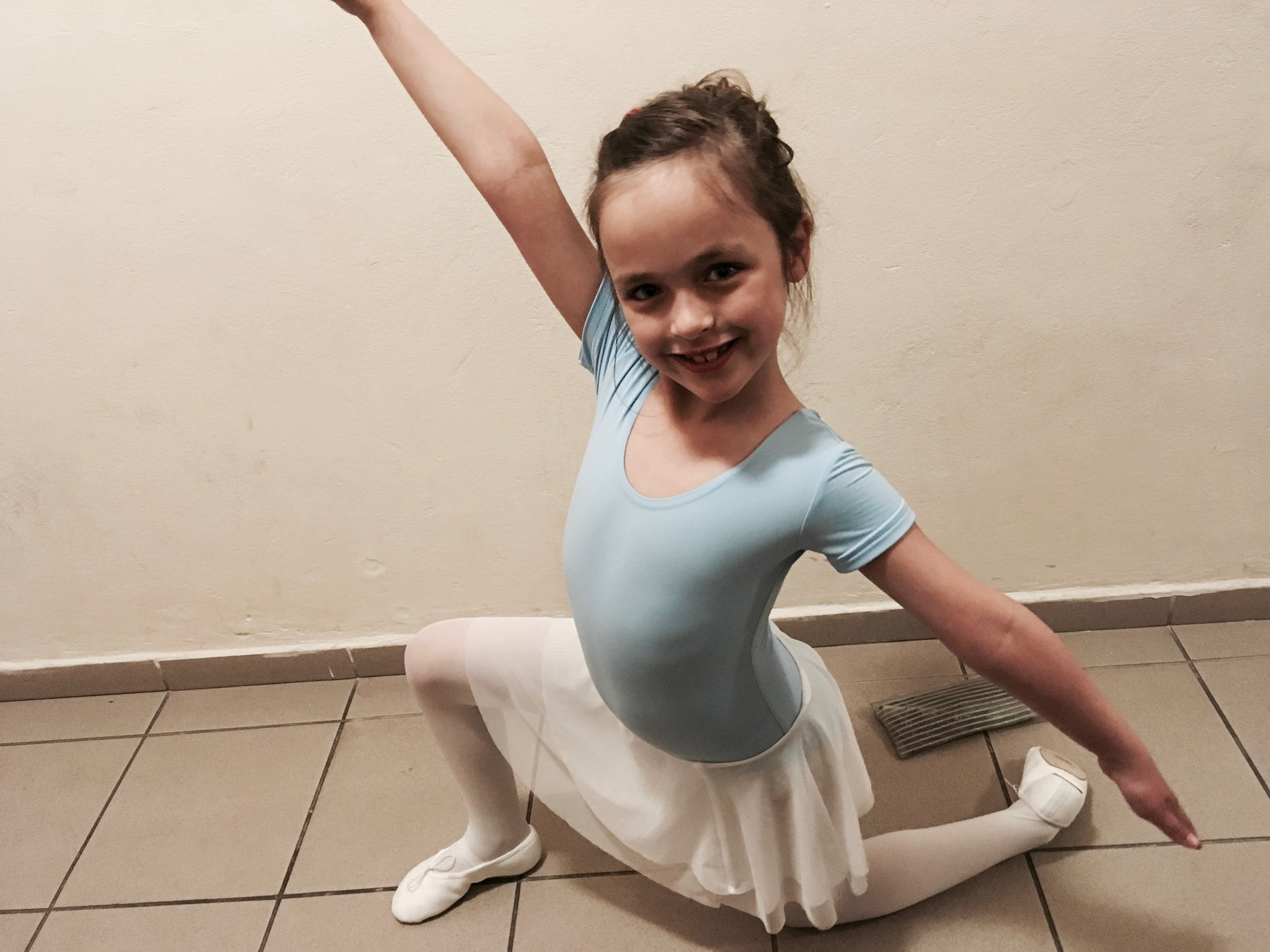 Addey's favorite pose she's learned in Ballet.