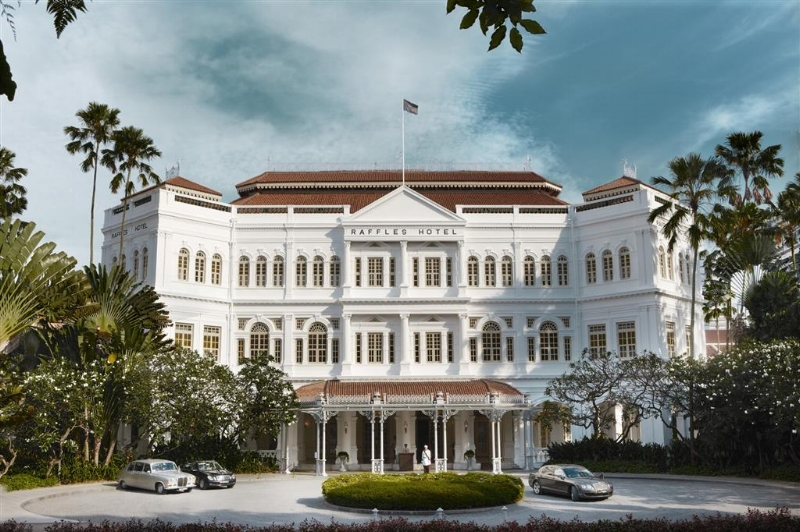 """The year was 1887 when the doors to the Raffles Hotel Singapore first opened. Since then, this luxury five star hotel in Singapore has become an icon that epitomises the romance of the Far East – an intoxicating blend of luxury, history and colonial design.""- Raffles.com"