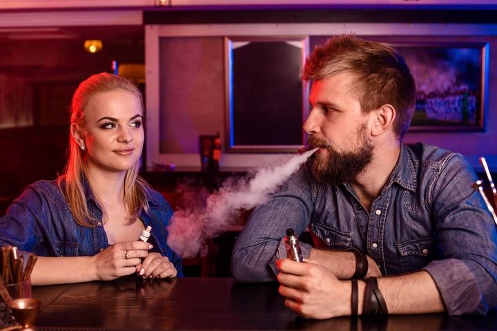 Tomado de artículo  Is second hand vapor harmful to breathe? por Jim McDonald Vaping 360