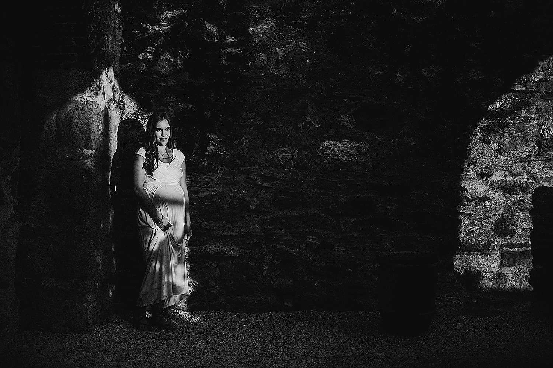 akron-canton-ohio-cleveland-maternity-photographer-lauren-grayson-black-and-white