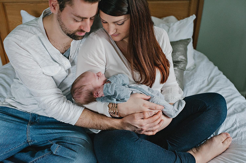 akron-ohio-newborn-photographer-family-session-lauren-grayson