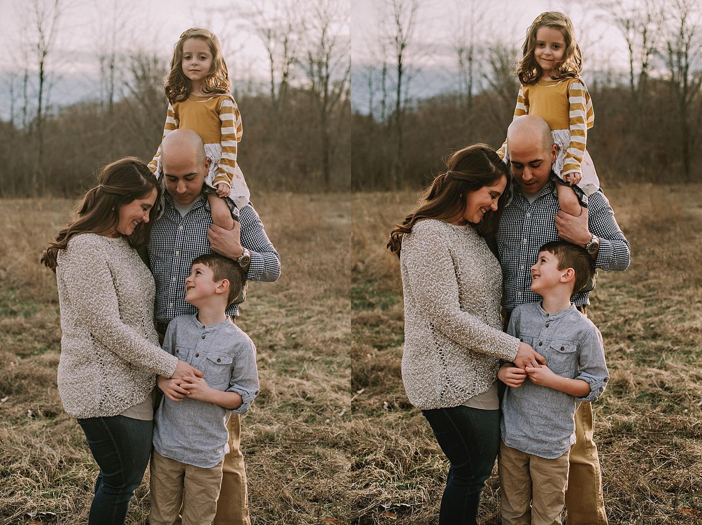 akron_canton_cleveland_ohio_family_photographer_natural_lifetsyle_posing