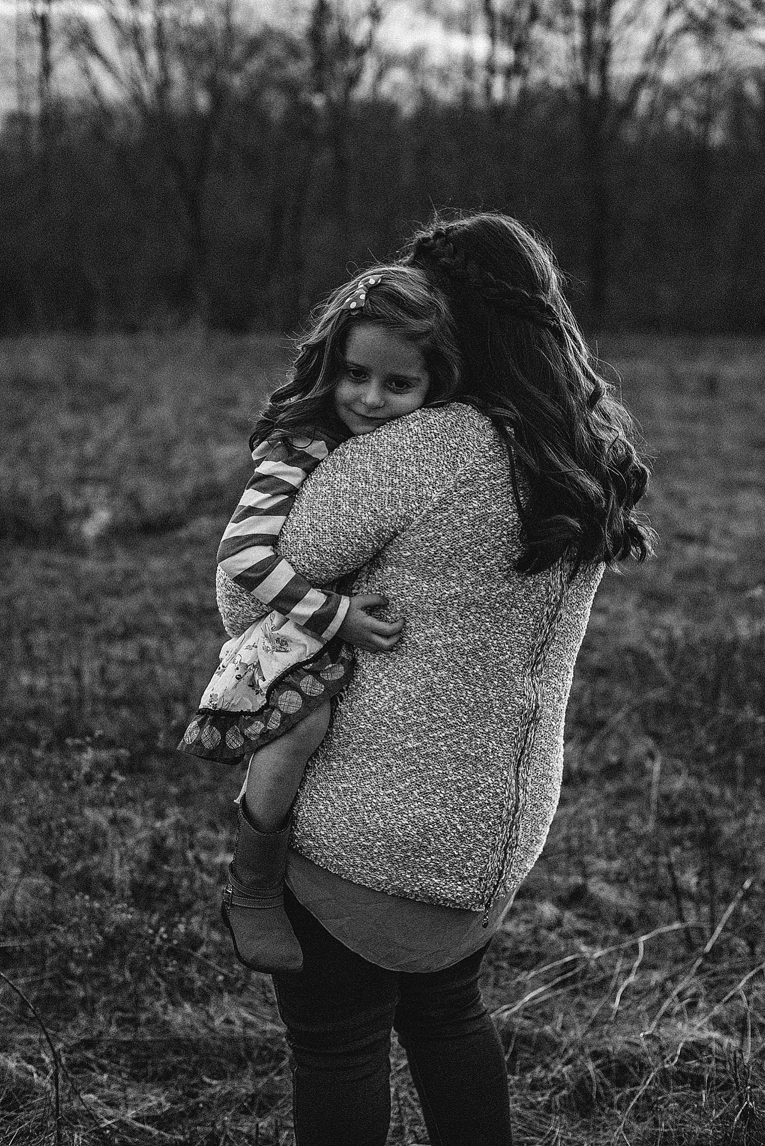 mother-daughter-photos-lauren-grayson-photographer-akron-canton-cleveland-ohio-family-photography