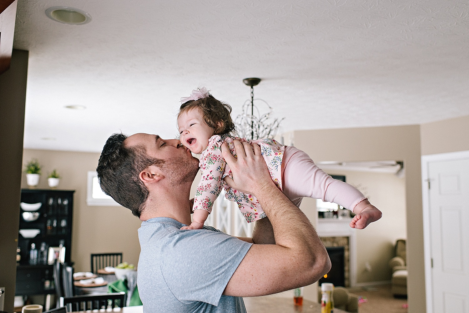 toth-famiy-lifestyle-in-home-portraits-lauren-grayson-photography-cleveland-child-photographer