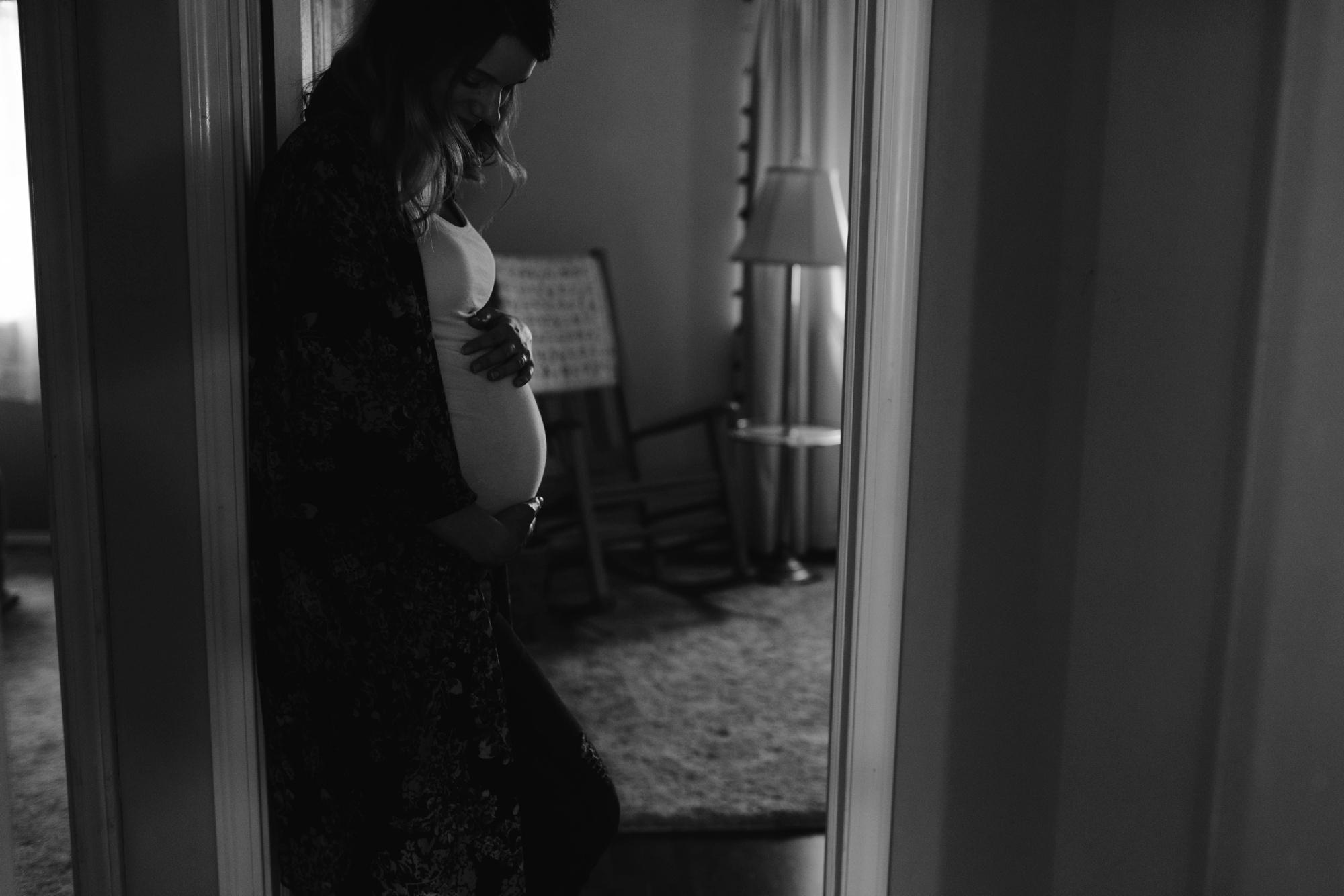maternity-danielle-b-lauren-grayson-cleveland-akron-canton-ohio-photographer-family-maternity-photography-session-photos-_0025.jpg
