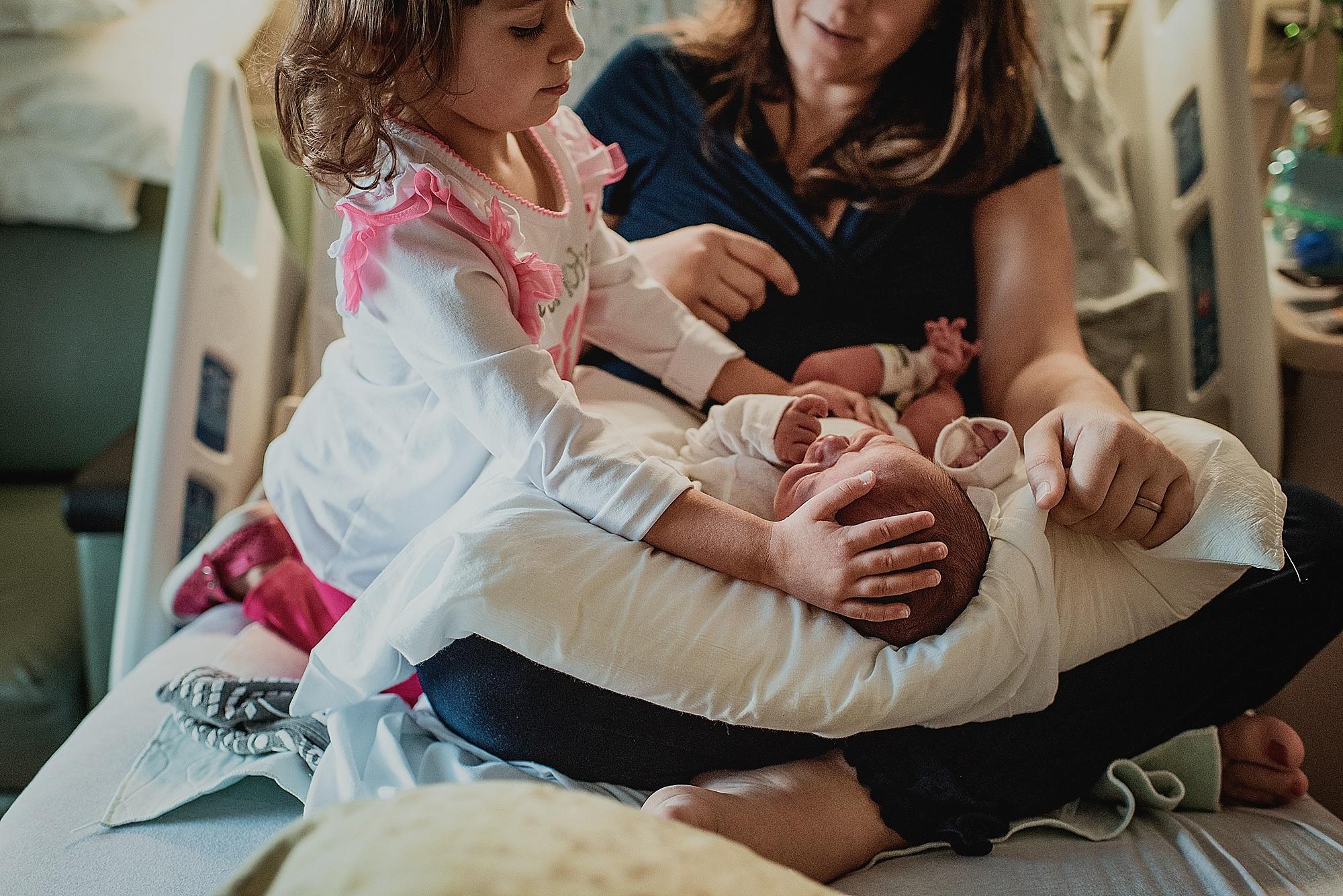 Dudones-family-cleveland-photographer-lauren-grayson-fresh-48-session_0017.jpg
