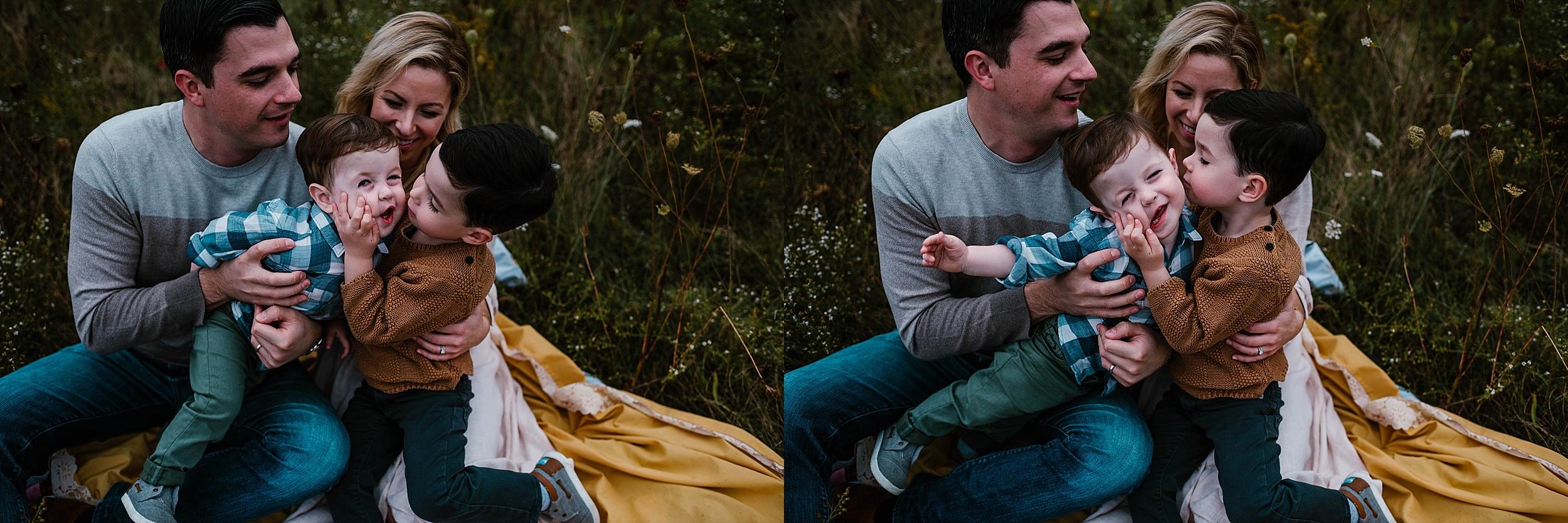 lauren-grayson-photography-portrait-artist-akron-cleveland-ohio-photographer-family-session-fields-sunset-fall_0186.jpg