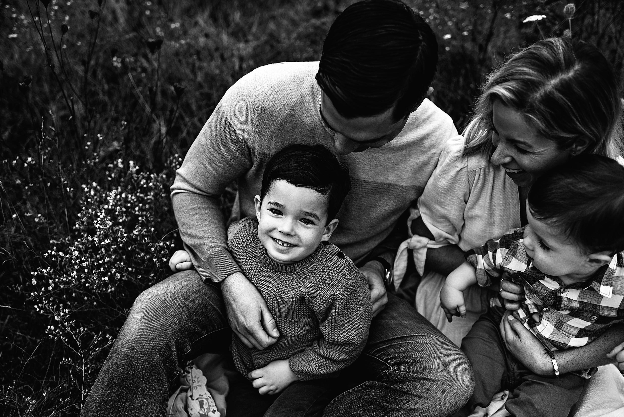 lauren-grayson-photography-portrait-artist-akron-cleveland-ohio-photographer-family-session-fields-sunset-fall_0185.jpg