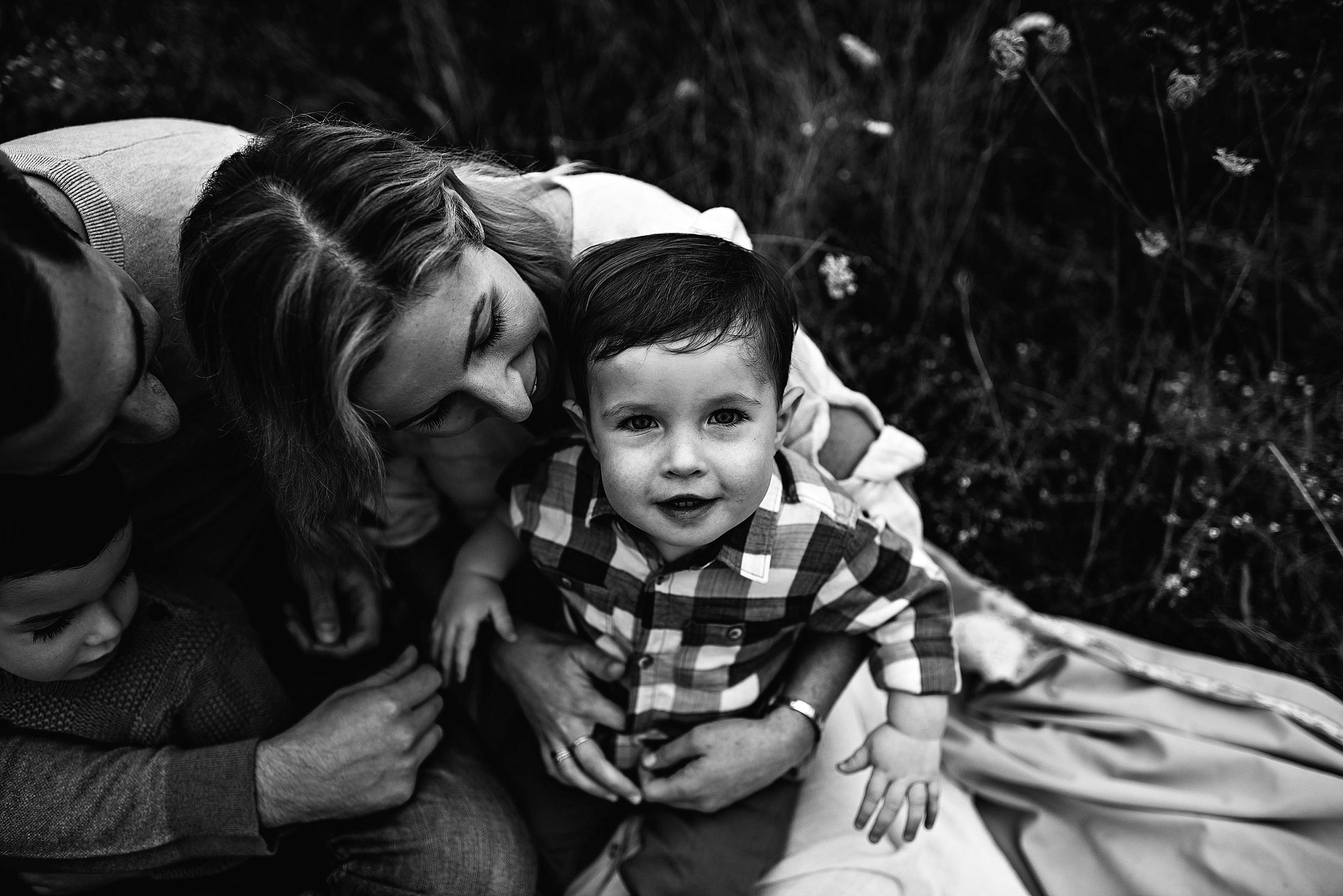 lauren-grayson-photography-portrait-artist-akron-cleveland-ohio-photographer-family-session-fields-sunset-fall_0189.jpg