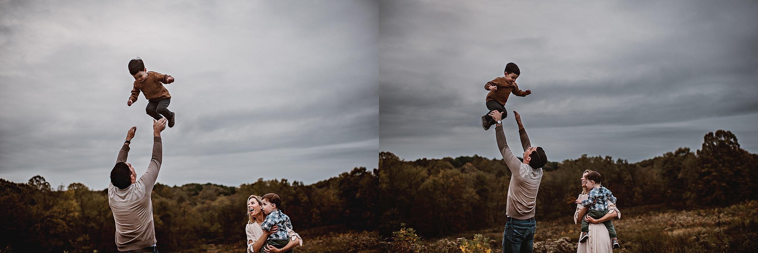 lauren-grayson-photography-portrait-artist-akron-cleveland-ohio-photographer-family-session-fields-sunset-fall_0205.jpg