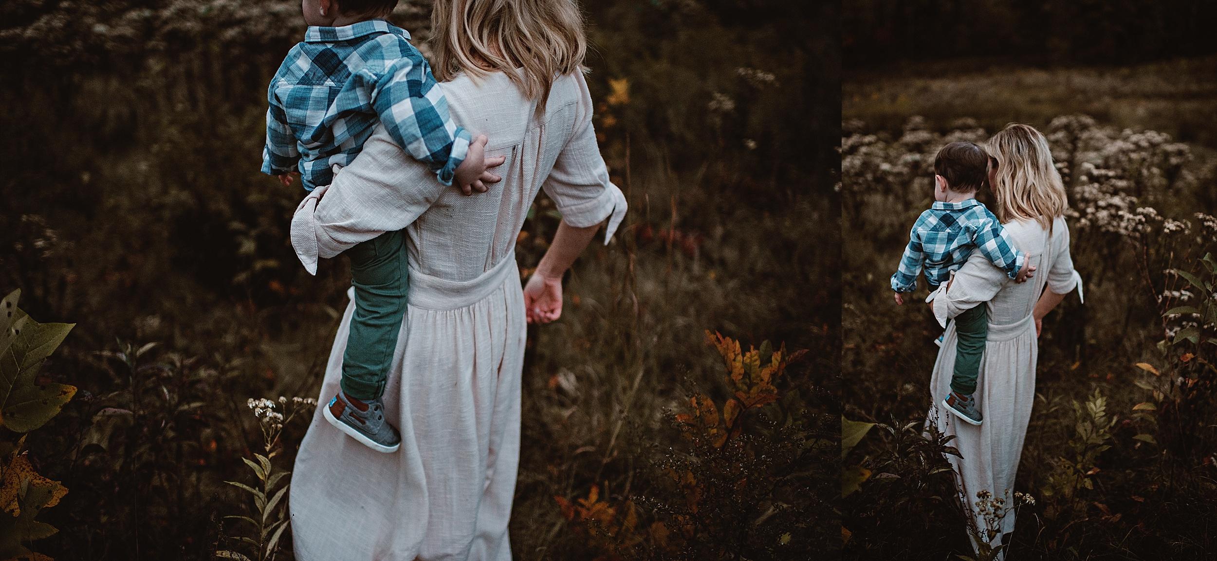 lauren-grayson-photography-portrait-artist-akron-cleveland-ohio-photographer-family-session-fields-sunset-fall_0221.jpg