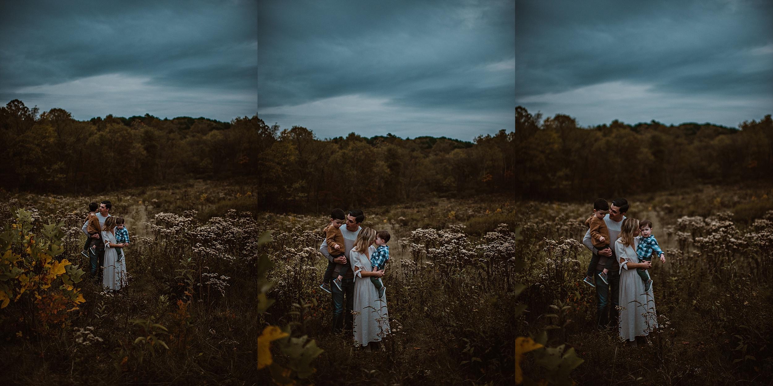 lauren-grayson-photography-portrait-artist-akron-cleveland-ohio-photographer-family-session-fields-sunset-fall_0226.jpg