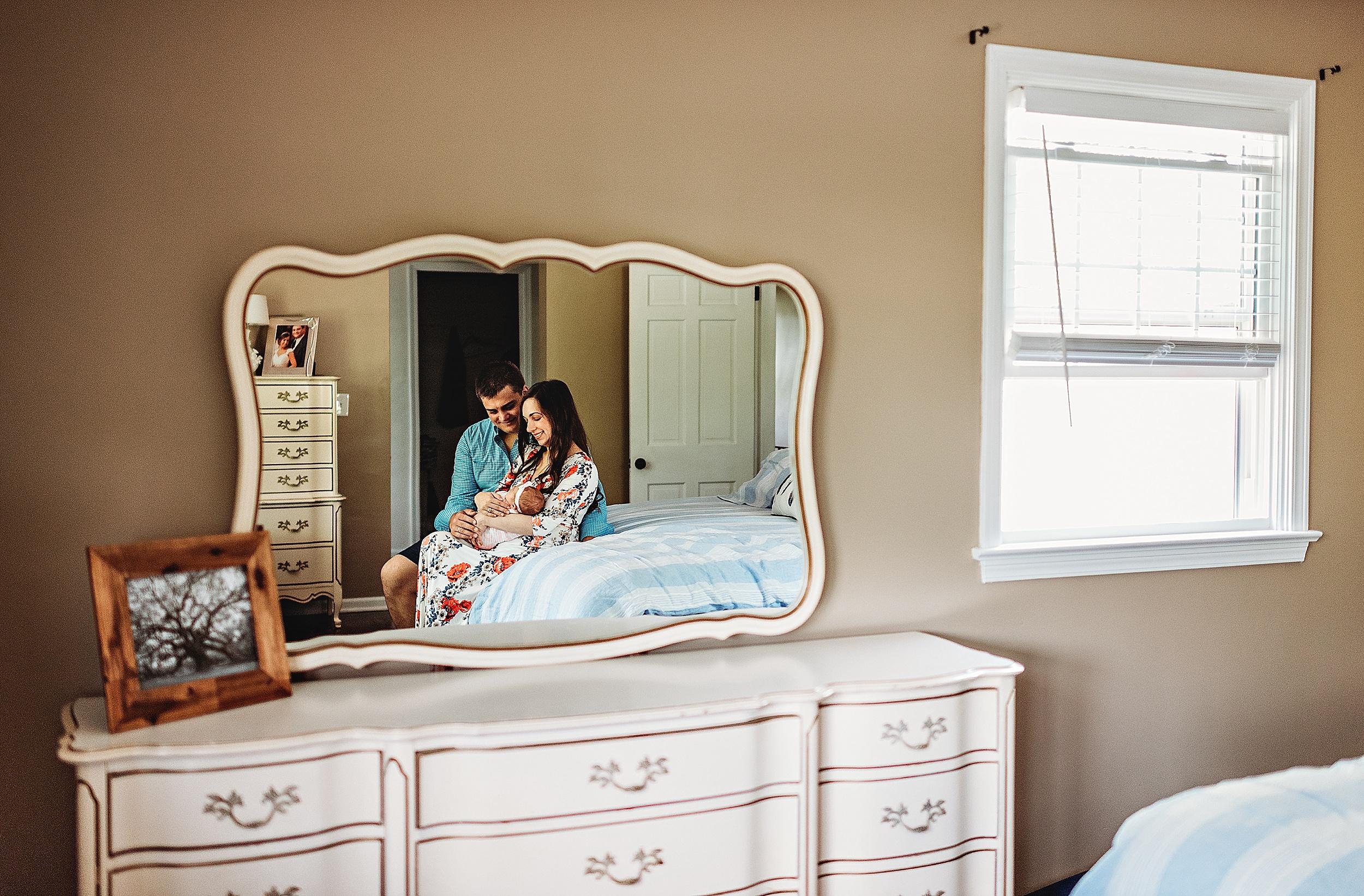 lauren-grayson-photography-akron-cleveland-ohio-photographer-family-newborn-home-photo-session-grace-a_0296.jpg