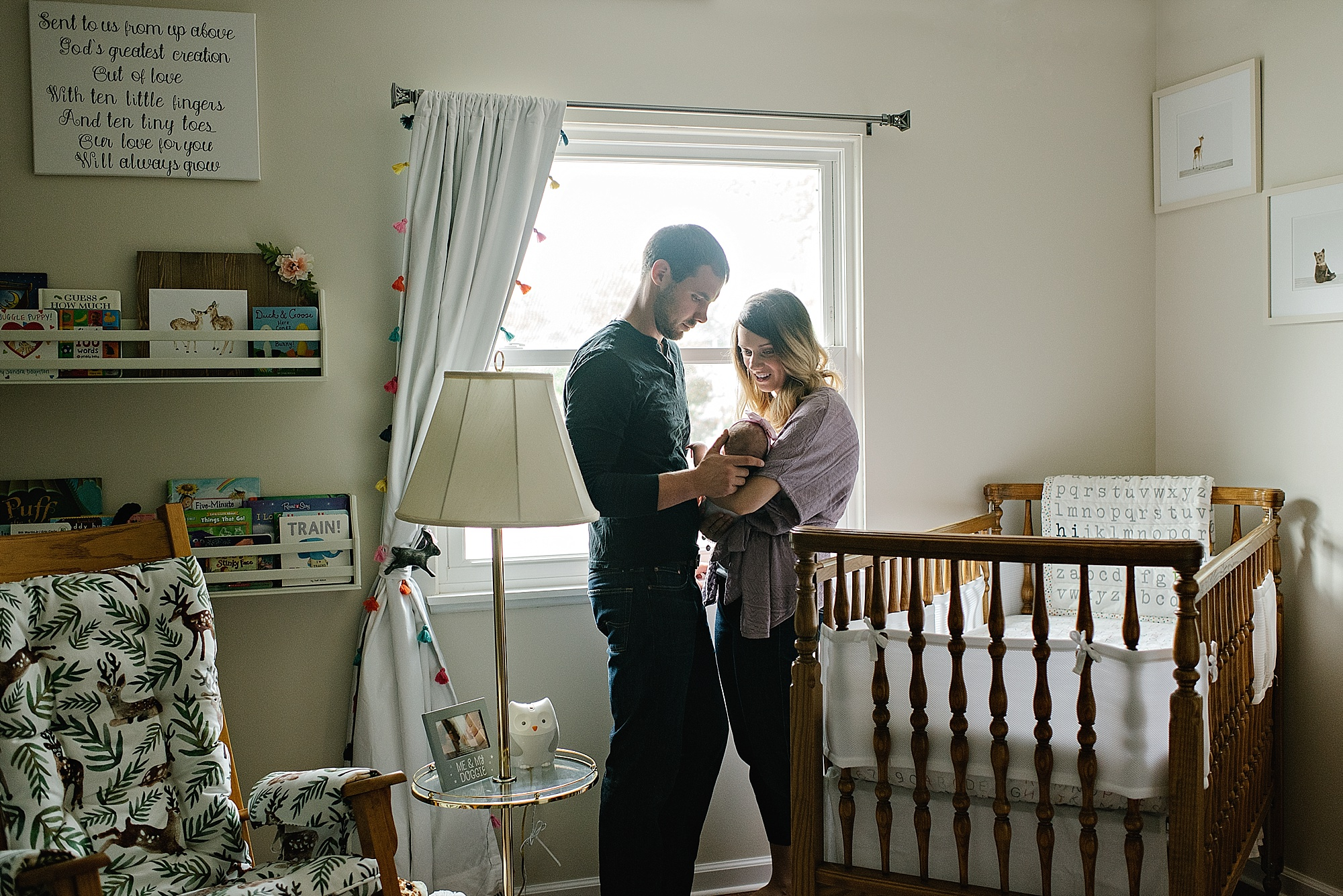 lauren-grayson-photography-cleveland-ohio-photographer-family-newborn-in-home-lifestyle-baby-session-gracelynne_0376.jpg
