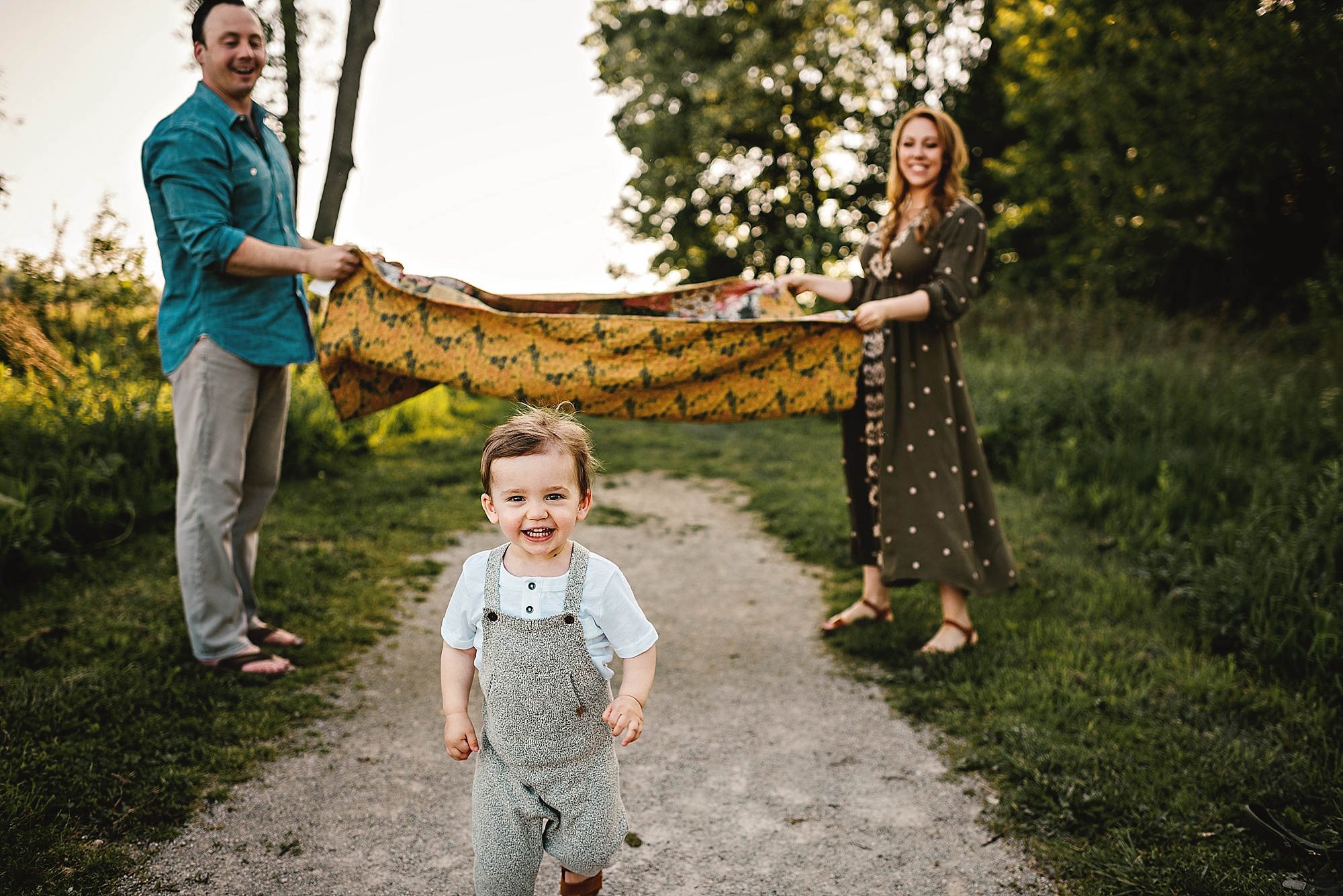 lauren-grayson-photography-cleveland-ohio-photographer-summer-outdoor-fields-family-child-baby-photo-session_0522.jpg
