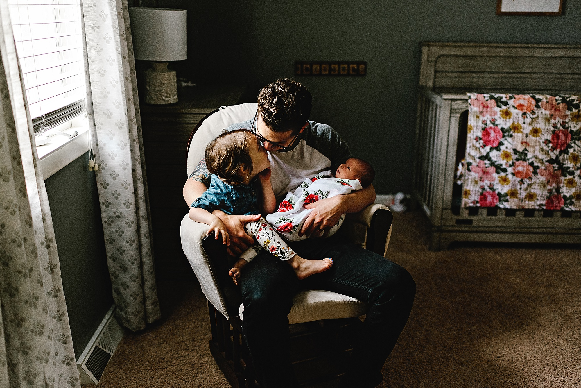 lauren-grayson-photography-cleveland-ohio-photographer-newborn-session-in-home-lifestyle-josephine_0621.jpg
