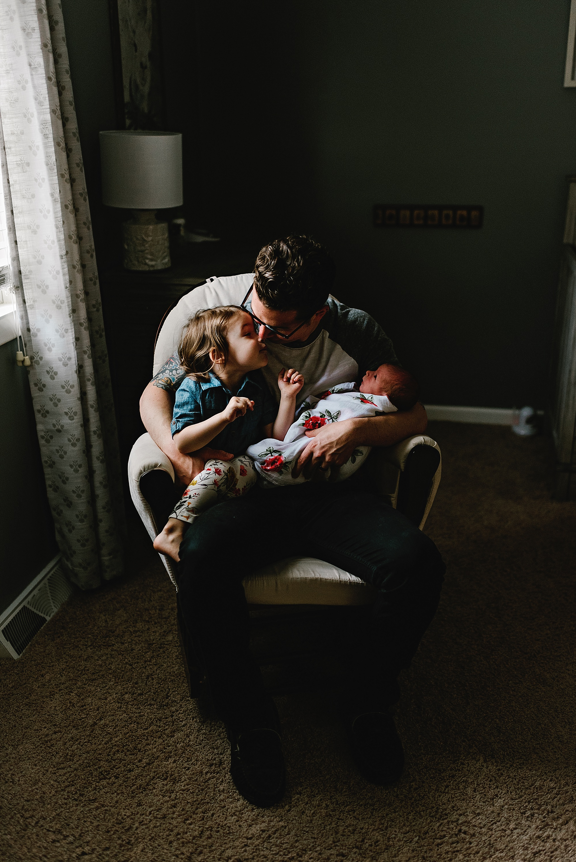 lauren-grayson-photography-cleveland-ohio-photographer-newborn-session-in-home-lifestyle-josephine_0623.jpg
