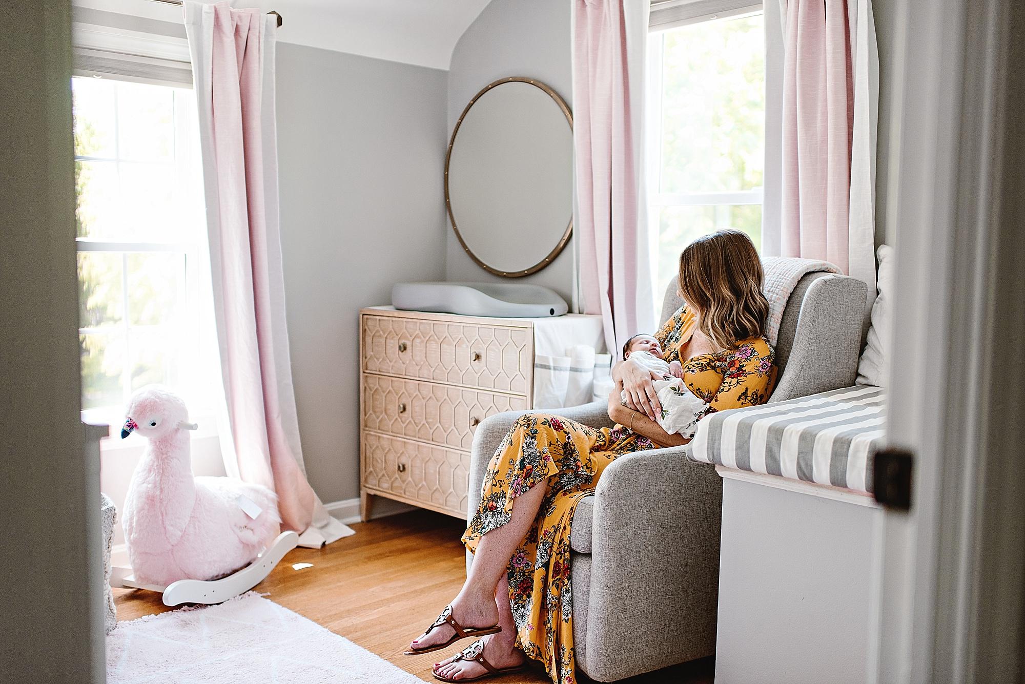 lauren-grayson-photography-cleveland-ohio-photographer-newborn-session-in-home-lifestyle-newborn-family-vivian_0652.jpg
