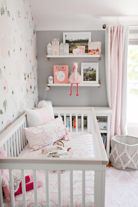lauren-grayson-photography-cleveland-ohio-photographer-newborn-session-in-home-lifestyle-newborn-family-vivian_0655.jpg